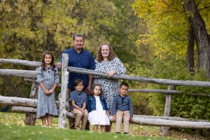Wooden fences are the best for family photos