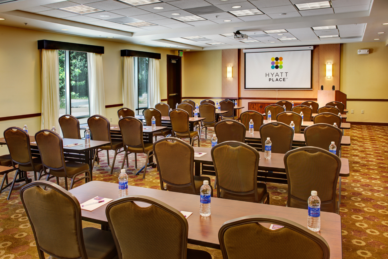 Interior Photography of a Hyatt Place UC Davis Meeting Room