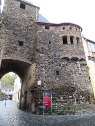 The largest of Cochem's 3 Medieval city gates. It was built in 1332.