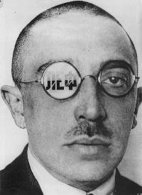 [Picture of Osip Brik by Rodchenko]