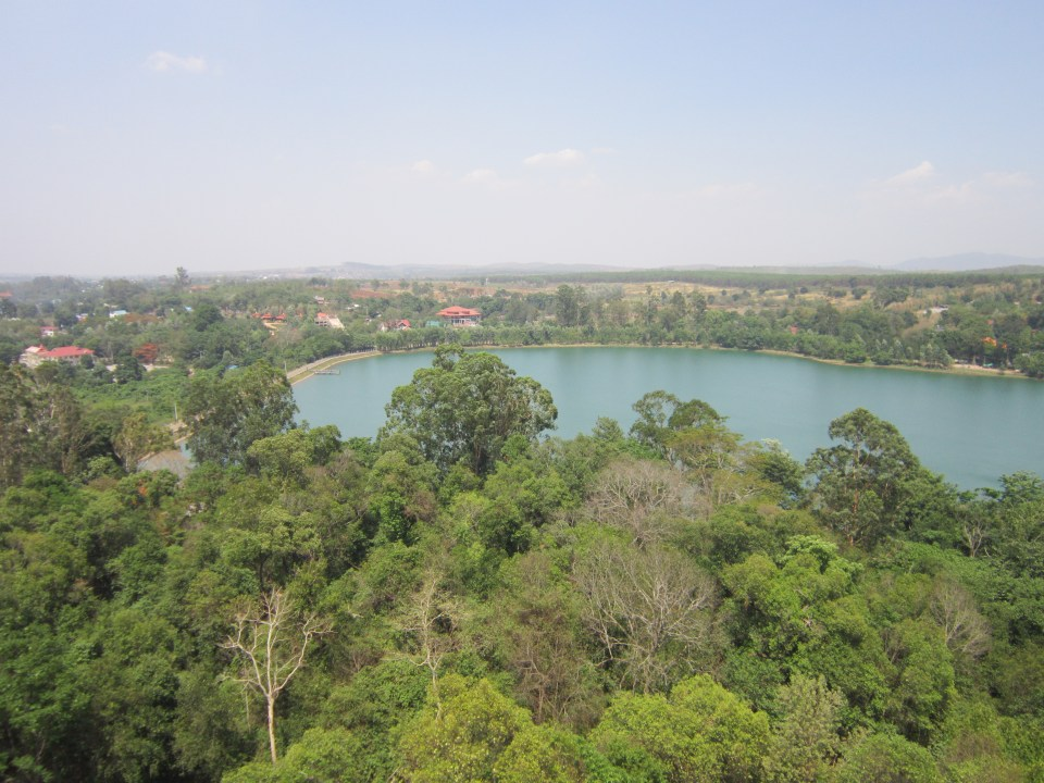 Pyin Oo Lwin - National Kandawgyi Botanical Gardens - View over the gardens