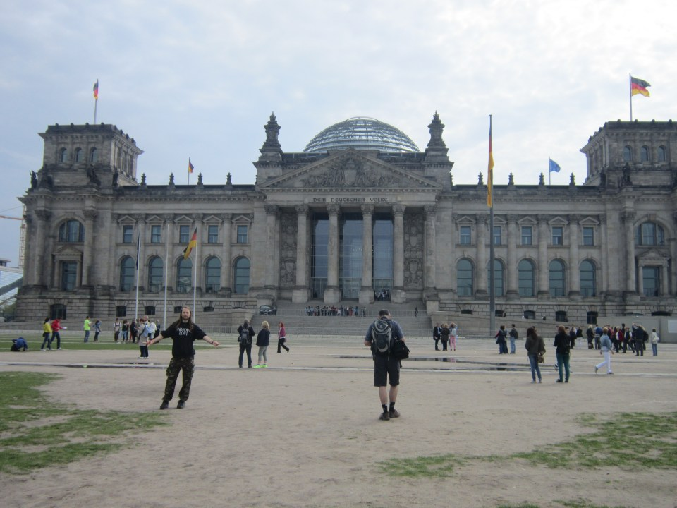 things to do in Berlin - view of the front of the Reichstag.