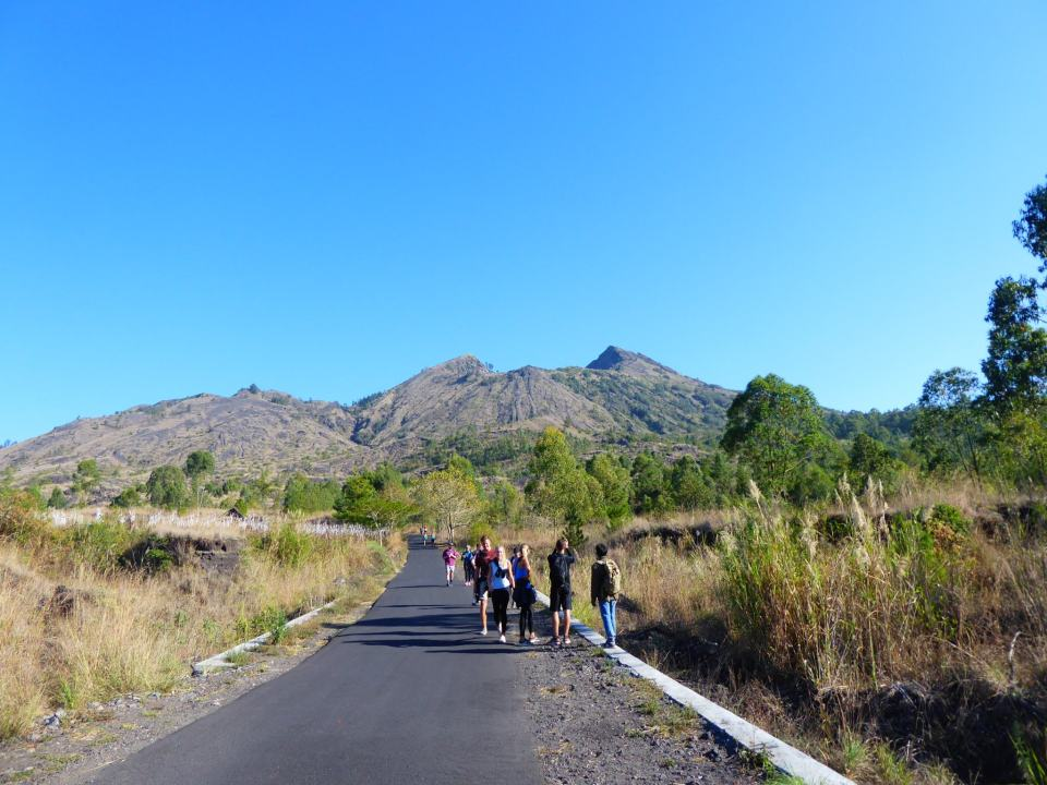 Mount batur is a great place to visit whilst Backpacking Ubud