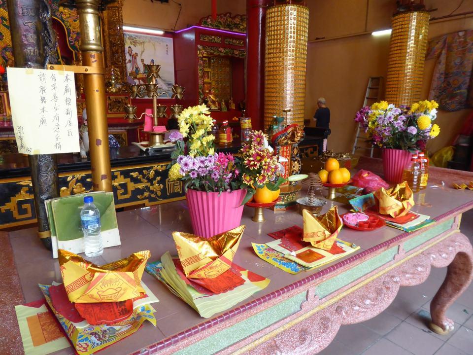Inside Guan Di temples, Chinatown, Kuala Lumpur Travel Guide