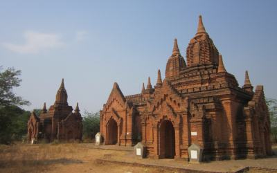 Myanmar Backpacking Itinerary - temples in Bagan