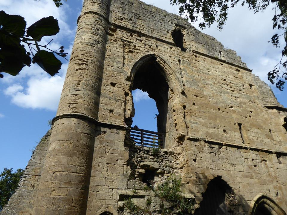 Part of ruined walls of Knaresborough Castle
