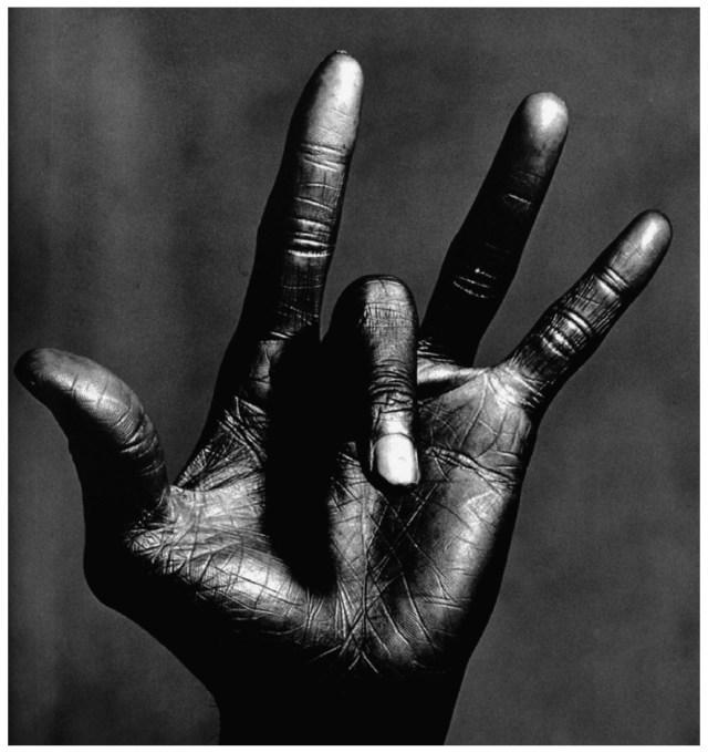 miles-davis-hand-4-photo-irving-penn-1986