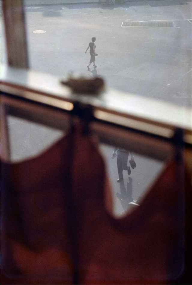 4. -saul-leiter-photography-the-red-list