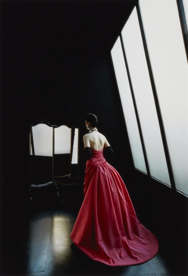 Lempertz-1068-169-Photography-Frank-Horvat-Paris-for-lOfficiel-Ev.jpg