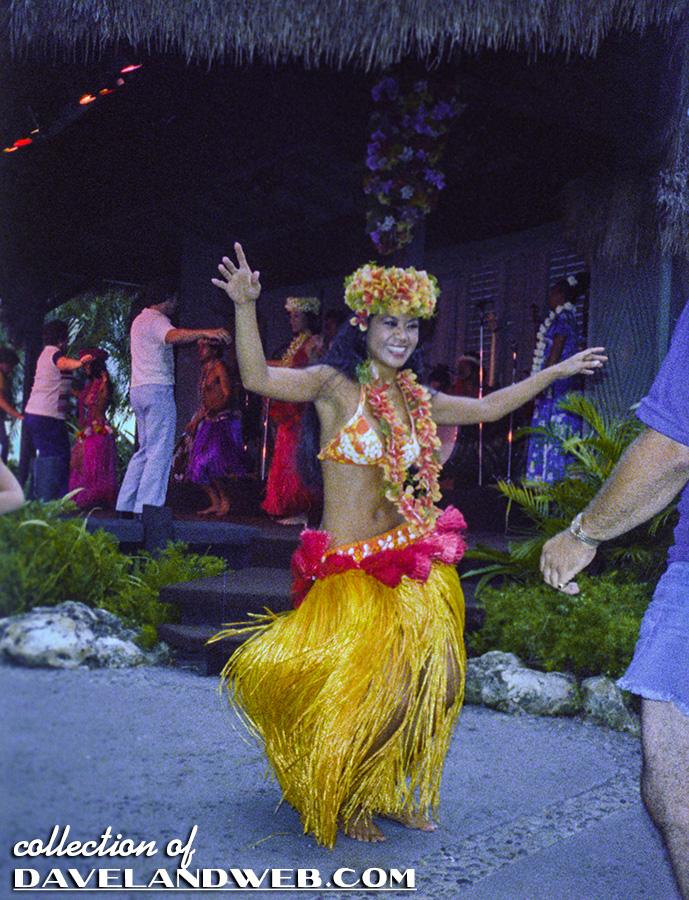 Polynesian Resort Photo Page at Daveland