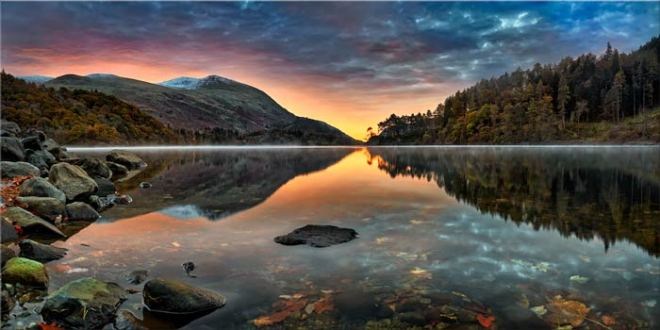 Thirlmere Autumn Dawn - Canvas Print