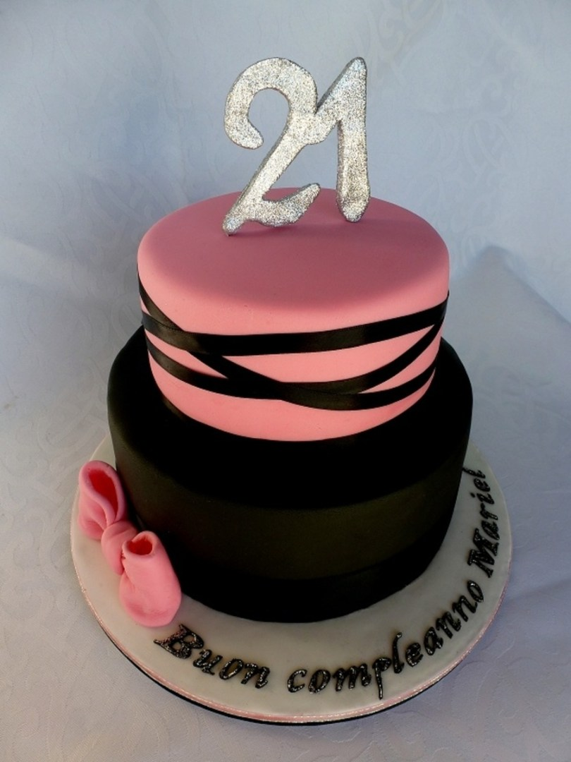 21St Birthday Cake Ideas Pink And Black 21st Birthday Cake Cakecentral
