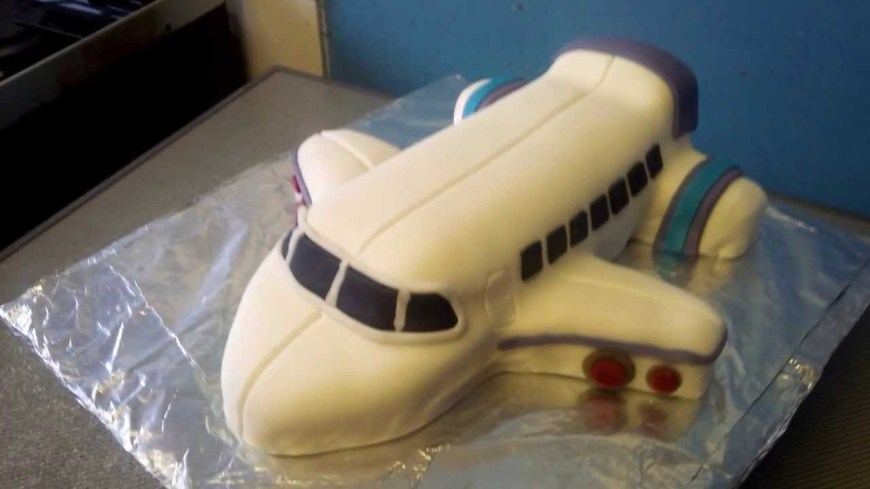 Airplane Birthday Cake How To Make An Aeroplane Cake Youtube