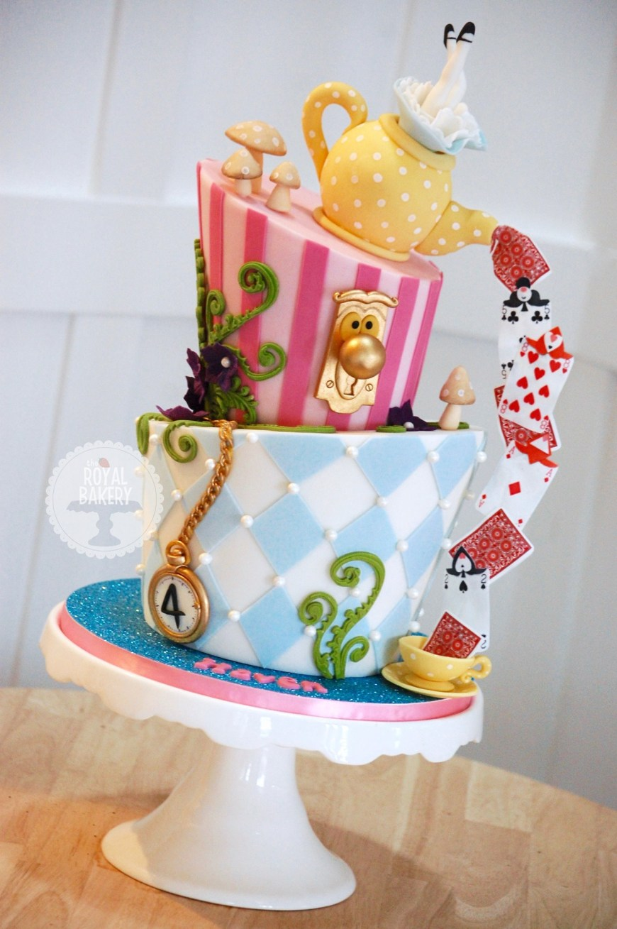 Alice In Wonderland Birthday Cake 9 Cartoon Alice In Wonderland Cakes Photo Alice In Wonderland Cake