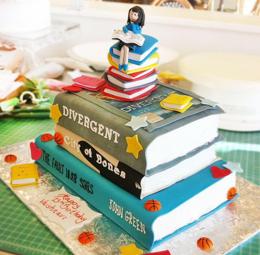 Book Birthday Cake A Stunning Book Birthday Cake For An Avid Reader Cake 090