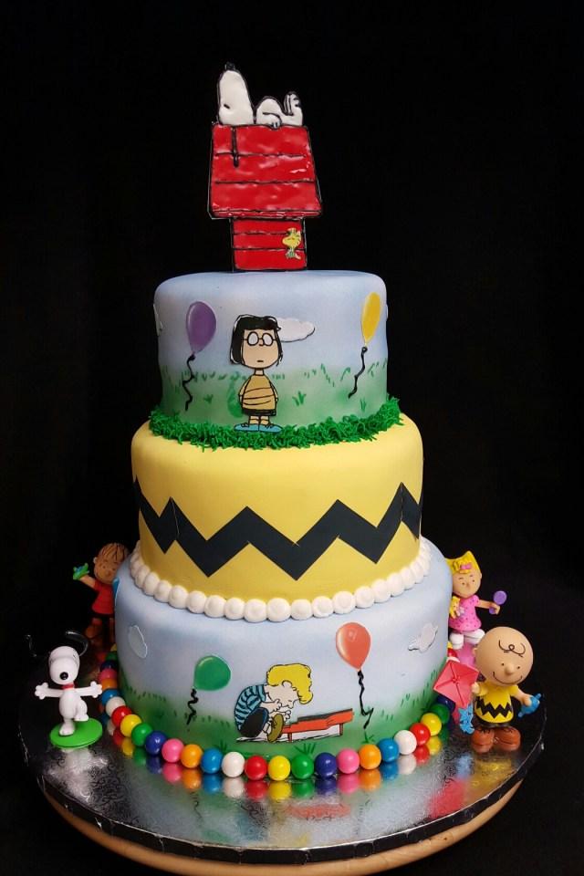 Charlie Brown Birthday Cake Peanuts Charlie Brown Cake