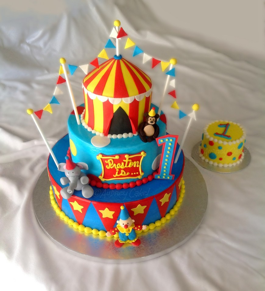Circus Birthday Cakes Circus Birthday Cake Colorful And Bright This Cake Is Sur Flickr