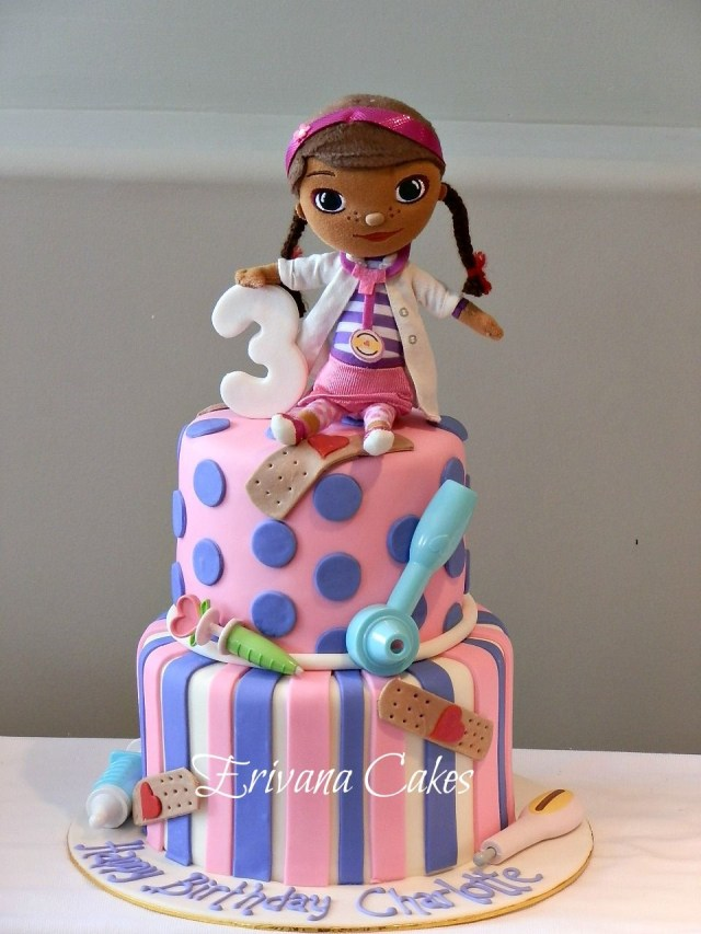 Doc Mcstuffin Birthday Cakes Doc Mcstuffins Cake Love This Cake I Might Have To Make One