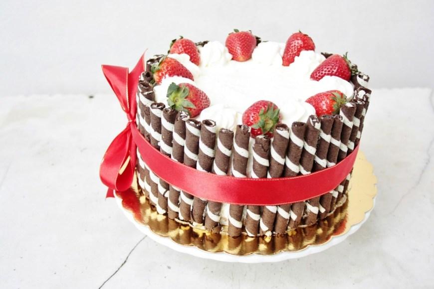 Easy Birthday Cake Recipes Elegant Birthday Cakes For Women Simple Yet Elegant Strawberry