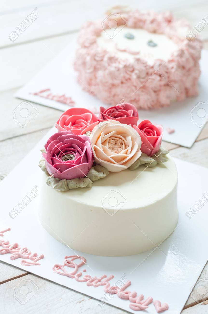 Happy Birthday Flower Cake Butter Cream Rose Flower Cake With Word Happy Birthday Stock Photo