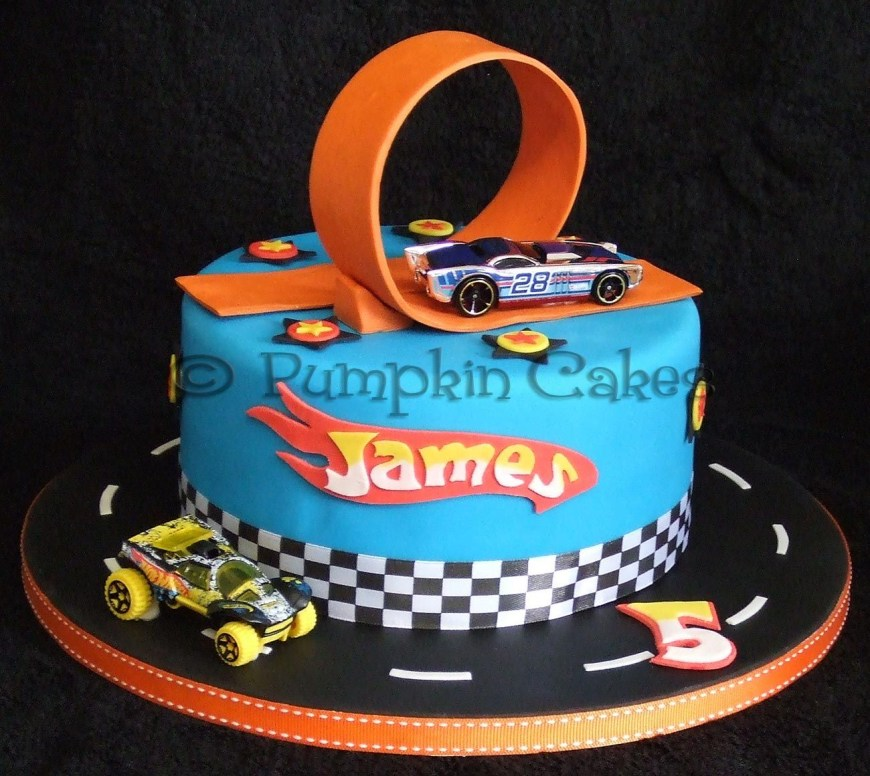 Hot Wheels Birthday Cake Yummy Chocolate Mud Cake In A Hot Wheels Design Cake Decorating
