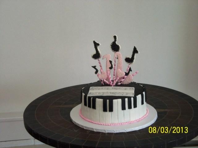 Piano Birthday Cake 16 Th Birthday Cake Piano Theme Cakecentral