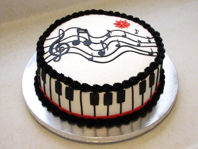 Piano Birthday Cake Yeah Someone Can Make This For My Birthday Next Year That Would Be