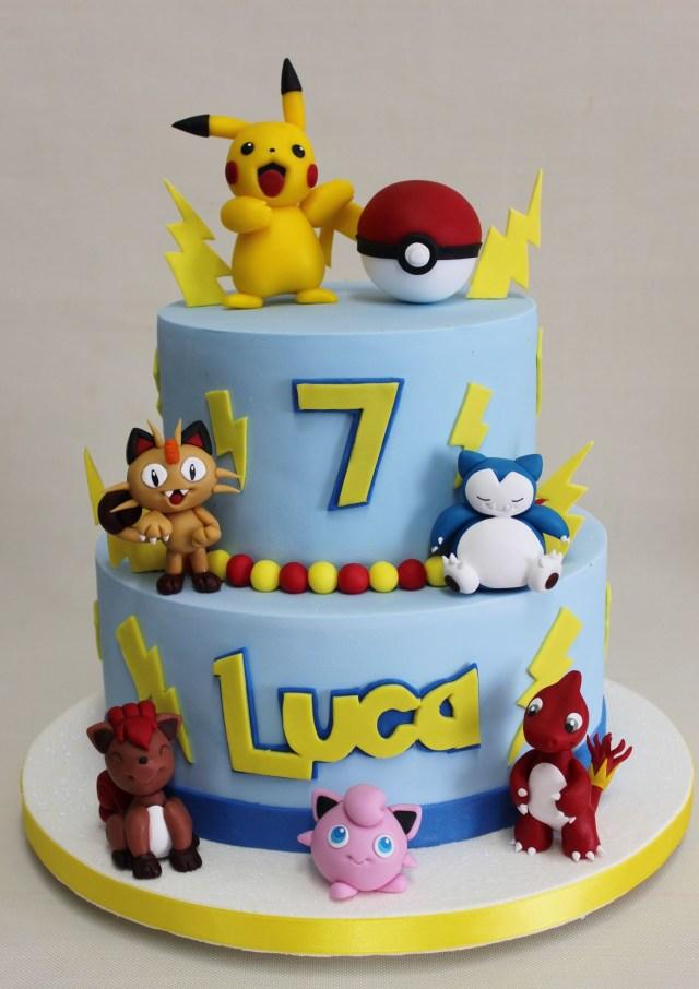 Pokemon Birthday Cake Pokemon Go Cake Violeta Glace Cakes Cupcakes Ect Pinterest