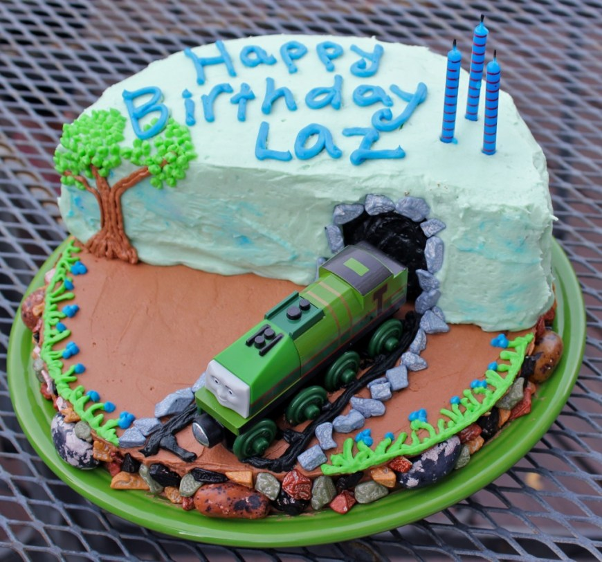 Train Birthday Cake How To Make A Super Cool Thomas The Train Birthday Cake Off The