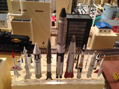 Missiles (models thereof)