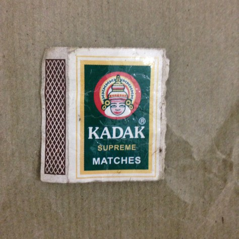Kadak Supreme Matches (package, used): India, Items Assembled
