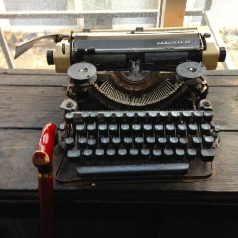 Typewriter: Gabriele at Hip Inn, Phitsanulok Thailand (2)