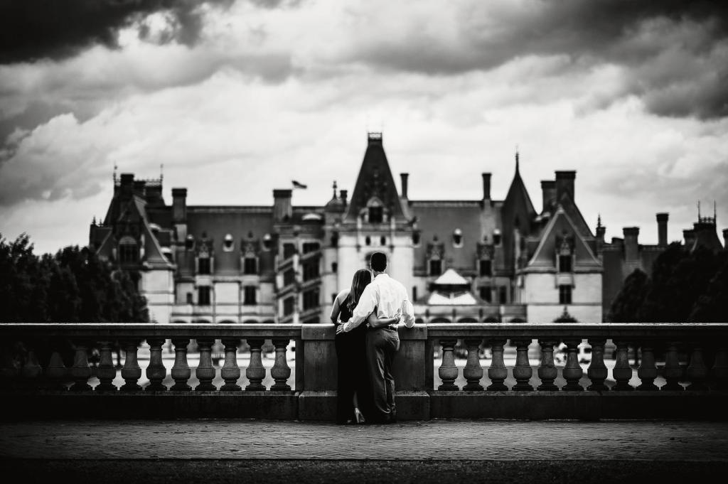 Biltmore-Estate-Engagement-Photos-Asheville-Wedding-Photographer-11-1024x681