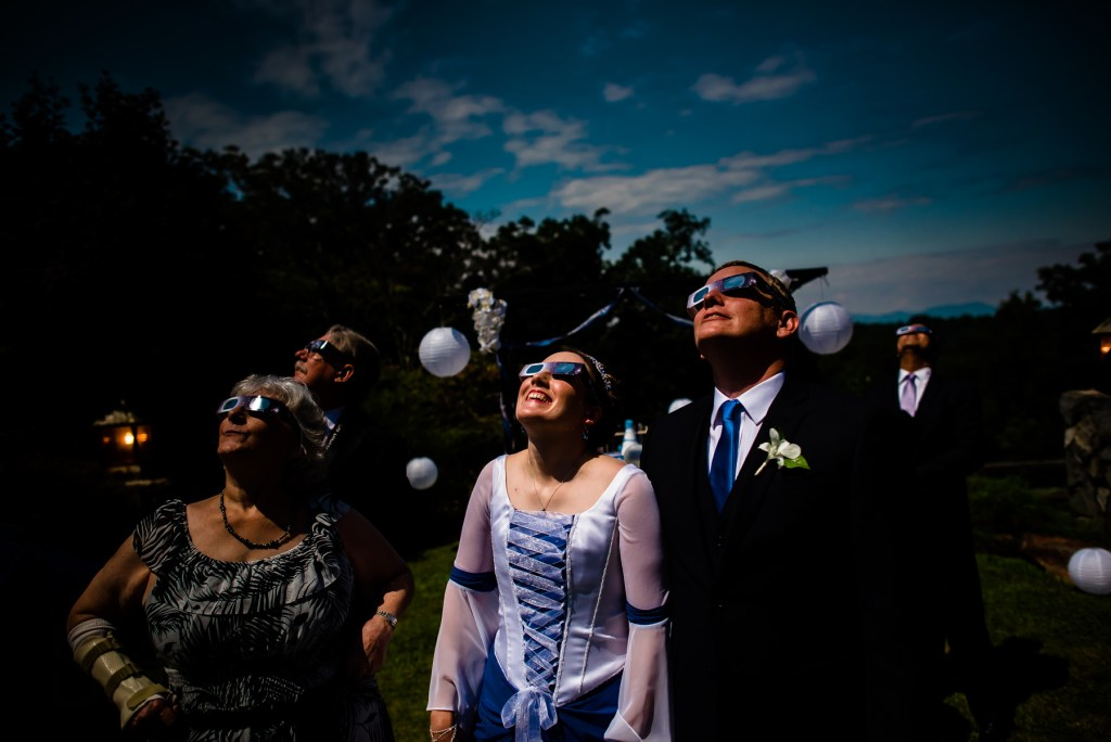 eclipse-wedding-glasses-1024x684