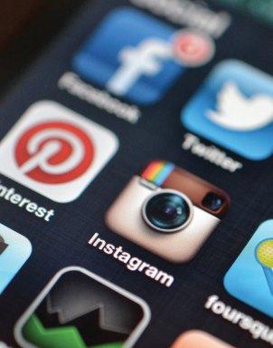 Davet-Mektebi-Dergisi-Sosyal-Medyanın-Yararları-ve-Zararları-1