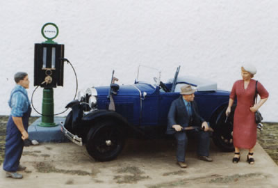 "1/16th Scale ""Bonnie and Clyde"" Diorama"