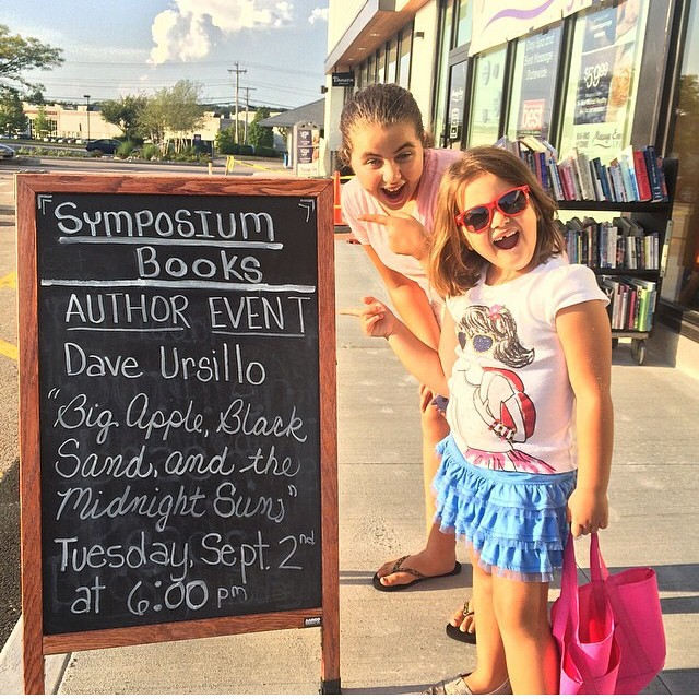 Behold, the children of New England awe-inspired by chalk sign fame! #booklaunch #bigappleblacksandmindnightsun