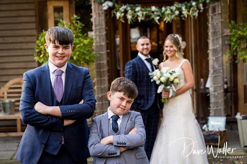 -The-Oak-Tree-Of-Peover-wedding-photographer-|--The-Oak-Tree-Of-Peover-wedding-photography-|-Manchester-wedding-photographer-22.jpg