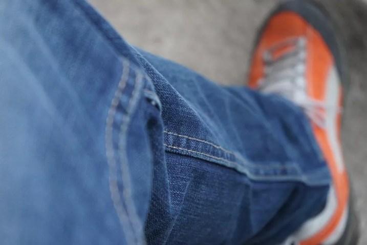 jak dobrać spodnie męskie