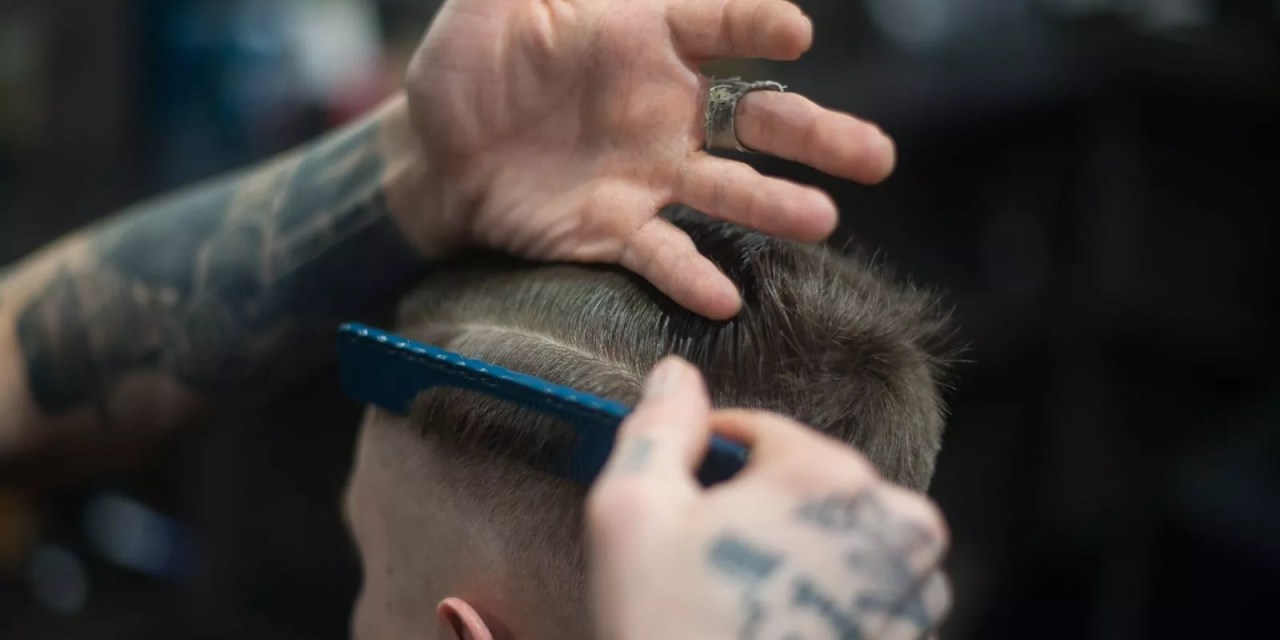 Modne fryzury dla nastolatków w roku 2020