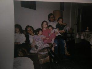 Avec ma mère, mes 4 petites soeurs, et mon père !