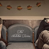 The Skeleton Twins - A moving story of two broken siblings painted with revealing performances