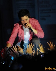david-archuleta_-ponds-teens-concert-2011-32