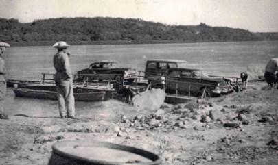 Na década de 1960, a balsa já garantia o intercâmbio entre o Sul e o Centro-Oeste (Foto: Reprodução)