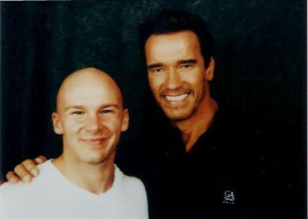 King quando conheceu Arnold Schwarzenegger em 1999 (Foto: Acervo Pessoal)
