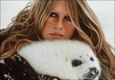 brigitte-bardot-with-seal