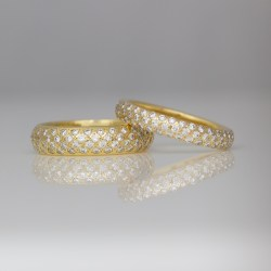 pave set yellow gold ring
