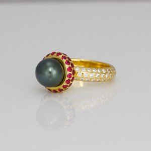 Tahitian pearl ring with rubies and diamonds