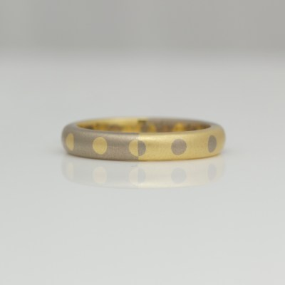 18ct gold modern ring
