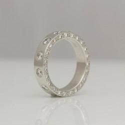 Platinum eternity ring diamonds set on all edges